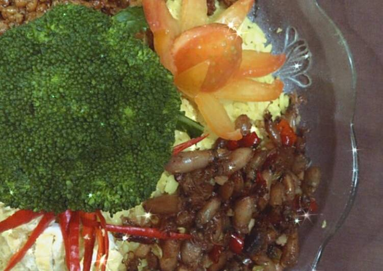 Nasi Kuning Sederhana Lauk Bebas