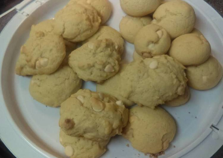 Discover How to Boost Your Mood with Food Vanilla chip cookies 😋