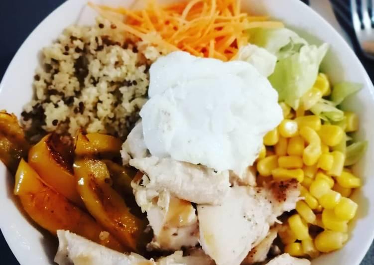 Salade bowl quinoa poulet