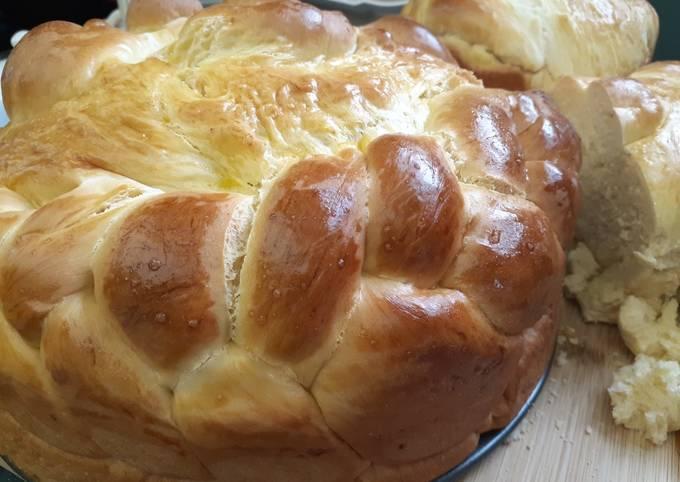 Paska (Ukrainian Easter Bread)
