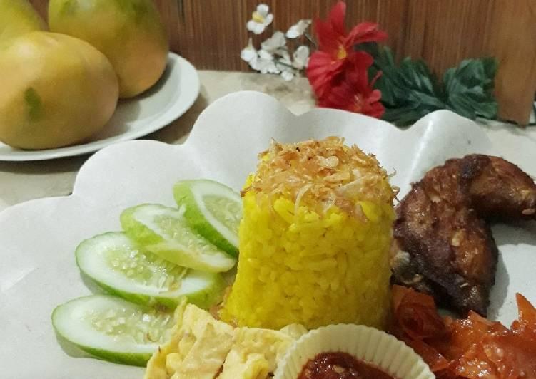 Nasi Kuning Bunè