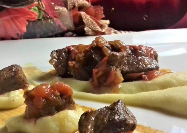 Recipe: Delicious Gulash e crema di polenta al tartufo