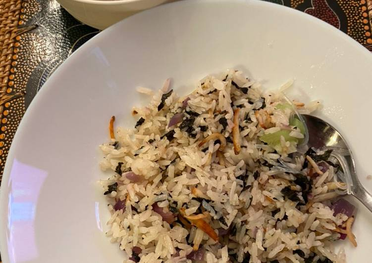 Tutorial Membuat Resep Sempurna Dari Nasi goreng seaweed dan Ikan teri) (Seaweed anchovies buttered rice)
