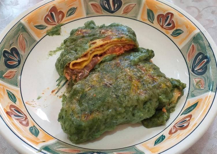 Crespelle con besciamella agli spinaci