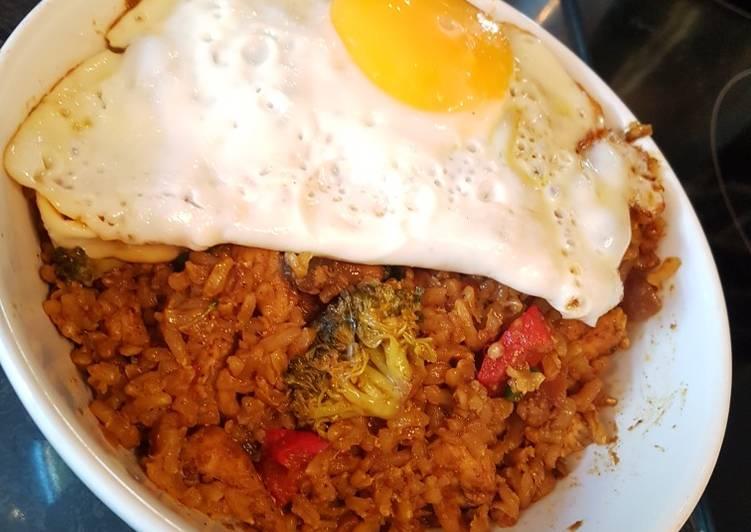 Nepalese nasi goreng