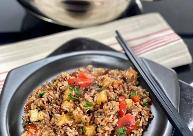 Trio de riz avec tofu et légumes sautés