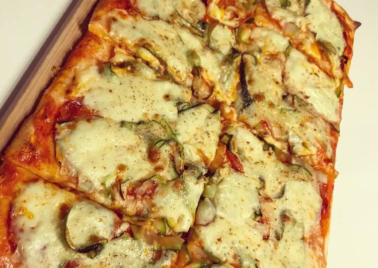 Pizza chorizo courgette