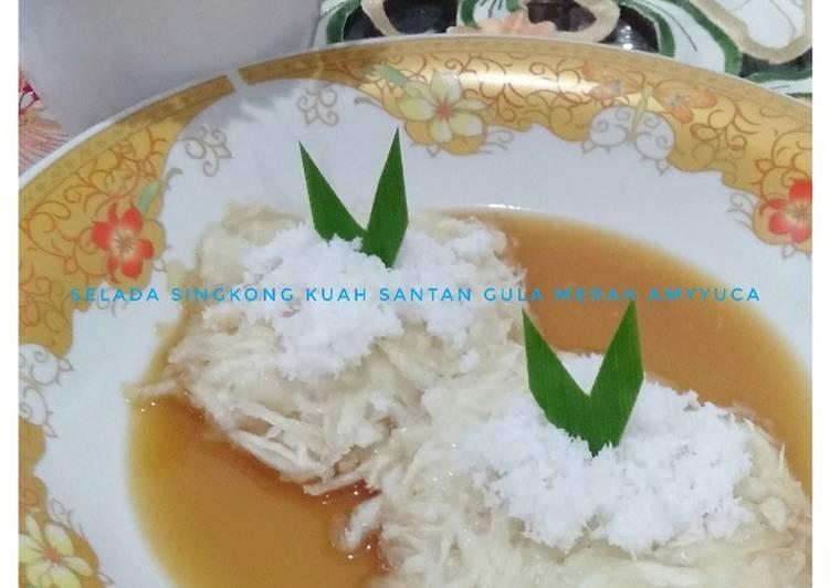 Selada singkong kuah santan gula merah (sulada gumbili)