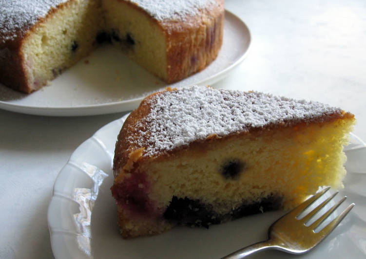 Sachi's Lemon Cake with Blueberries