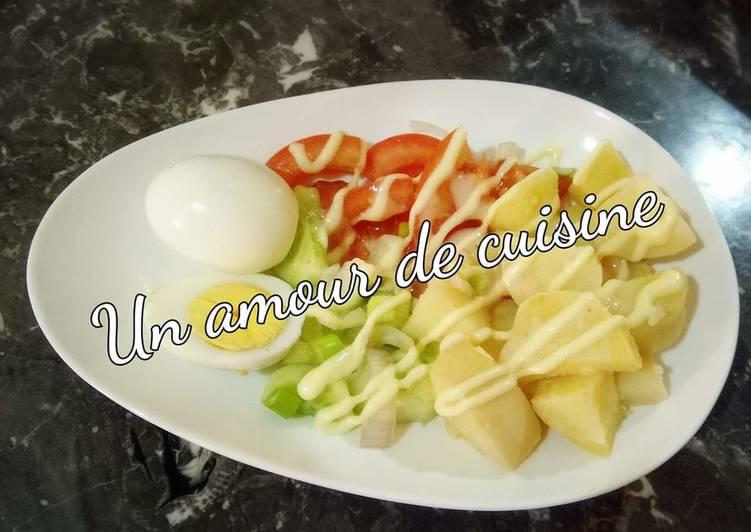 recette Salade composée/pomme de terre,tomate, concombre et oeufs durs délicieux