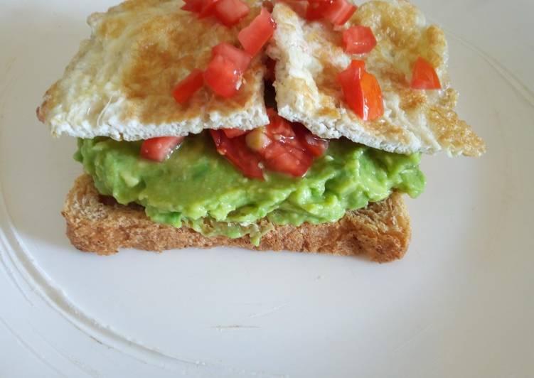 Easy Avocado Egg Bread Toast