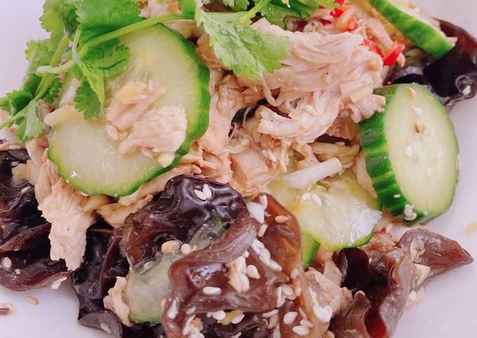 Wood Ear Mushrooms and Chicken Salad