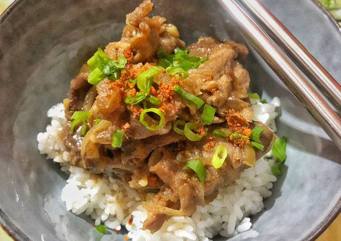 Donburi beef ala Yoshinoya