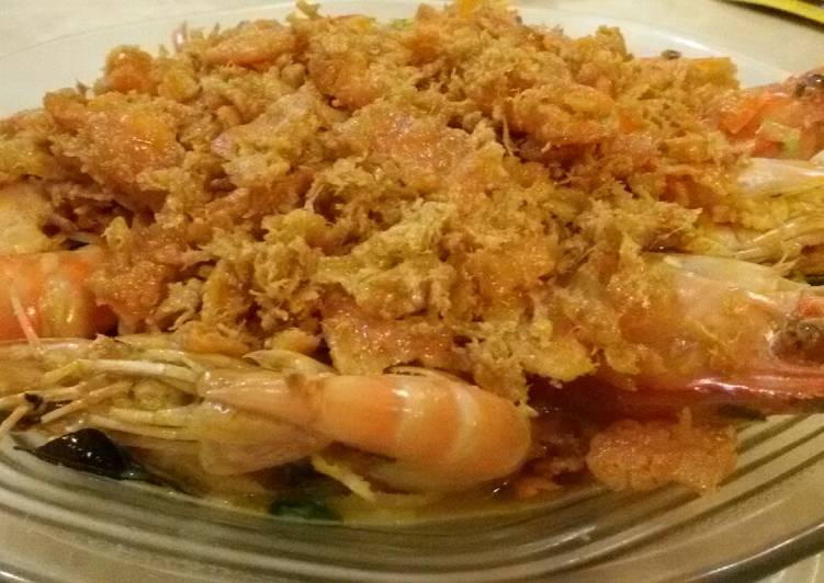 Butter Prawn with Salted Egg and Floss Garnishing
