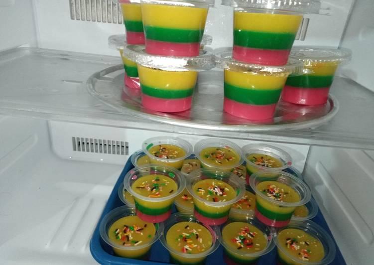 Puding rainbow susu