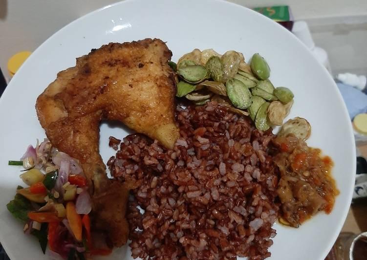 Nasi Ayam Pete Sambel Matah