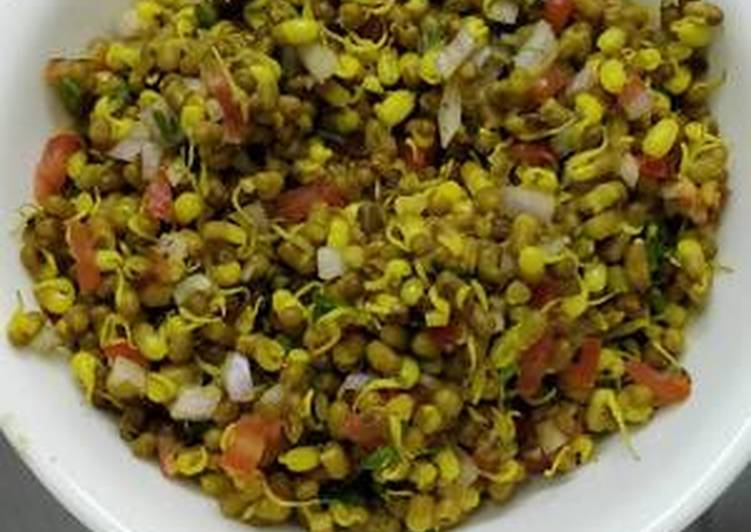 Steps to Prepare Ultimate Matki sprouts