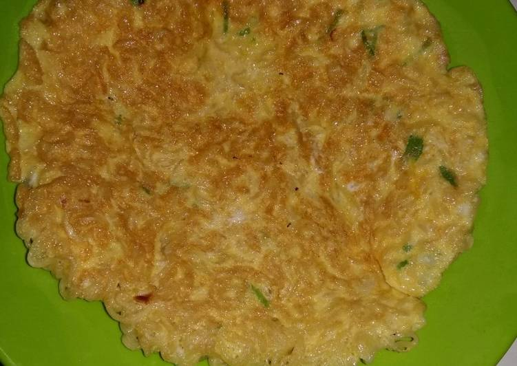 Resep Omlet mie telur Yang Gampang Bikin Ngiler