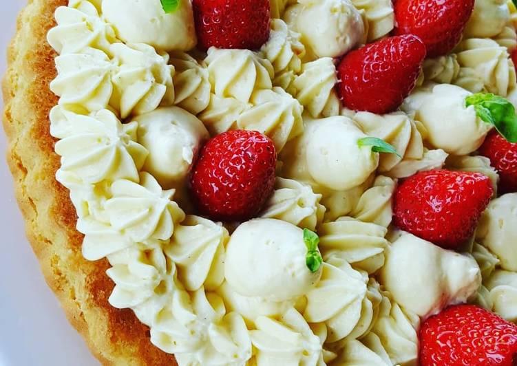 Crostata morbida con crema inglese al mascarpone