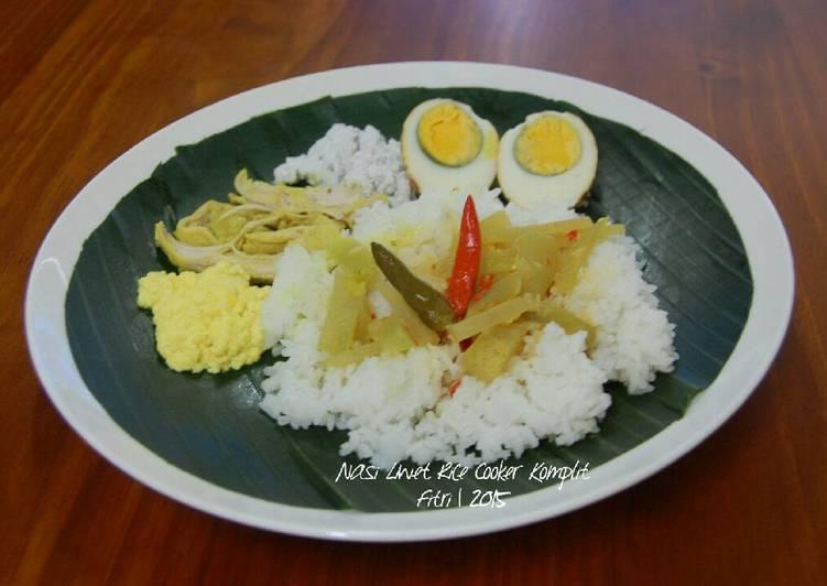 Bagaimana Menyiapkan Nasi Liwet Rice Cooker Komplit yang Bikin Ngiler