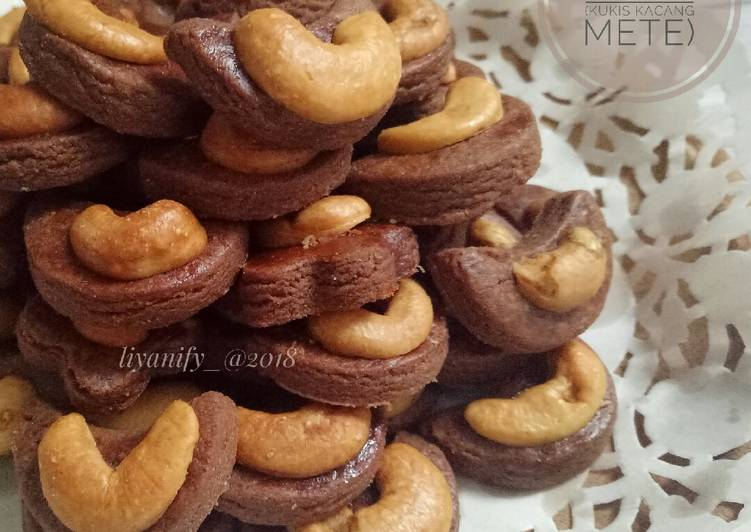 #27 CHOCO Cashew Cookies (Kukis Kacang Mete)
