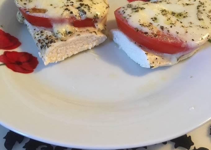 Chicken breasts with mozzarela and tomato (kuracie prsia s mozzarellou a paradajkou)