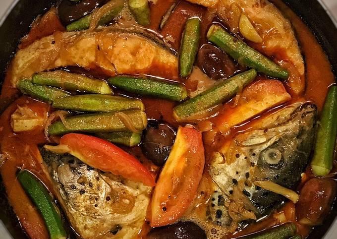 Salmon fish head curry
