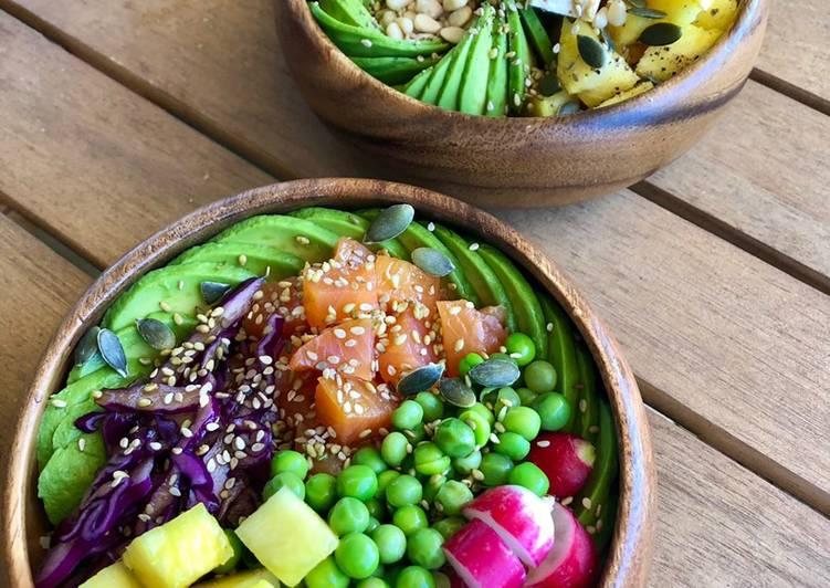 Recette: Poke bowl de saumon, ananas, avocat, choux, petits pois, radis
