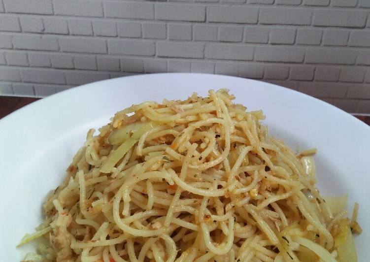 Spagetti Olio Oglio with tuna