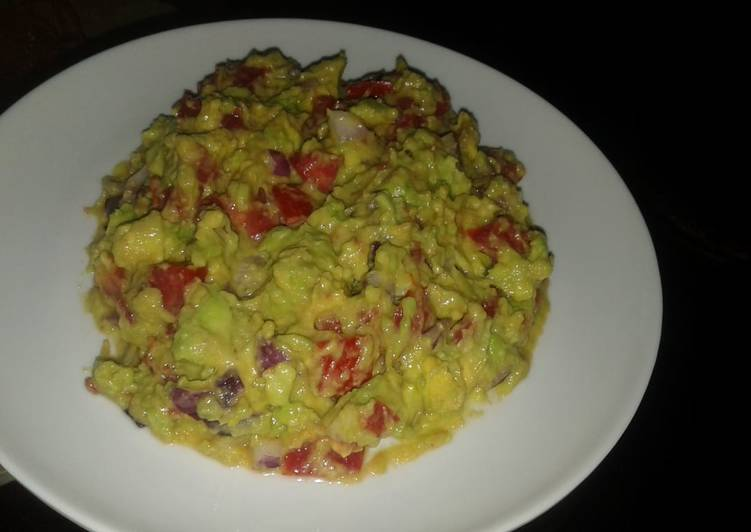 Guacamole dressed with ginger