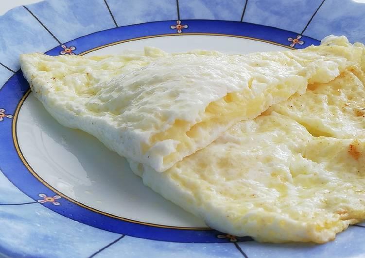 Recette: Omelette blanc d'oeuf avec emmental à l'intérieur