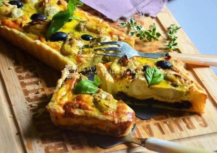 Tarte aux coeurs d'artichauts, sur tapenade d'olives noires et pesto