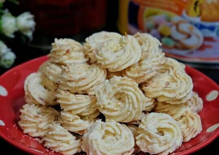 Resep Kue Kering Sagu Keju Oleh Lia Aprilyan Cookpad
