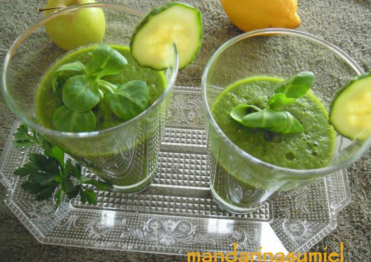 Batido verde depurativo y antioxidante, smoothie