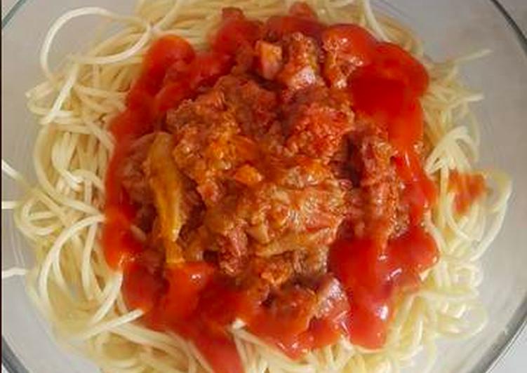 Espaguetis con setas, jamón y salsa de tomate. Thermomix