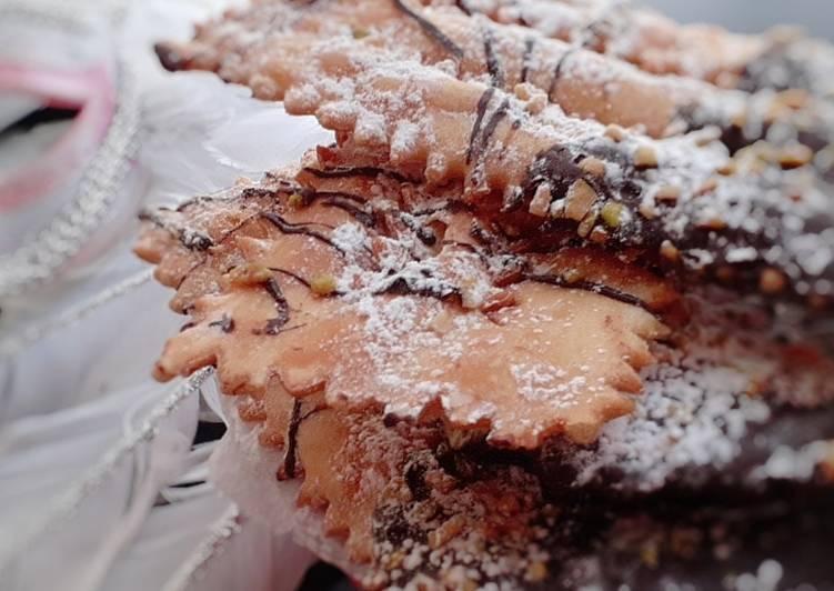 Ricetta Frappe al forno cioccolato e pistacchi