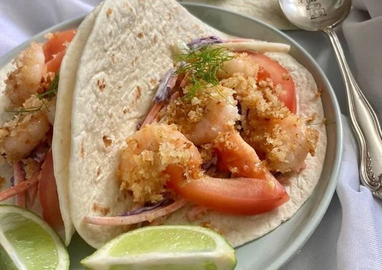 Tortillas aux crevettes panées et son coleslaw