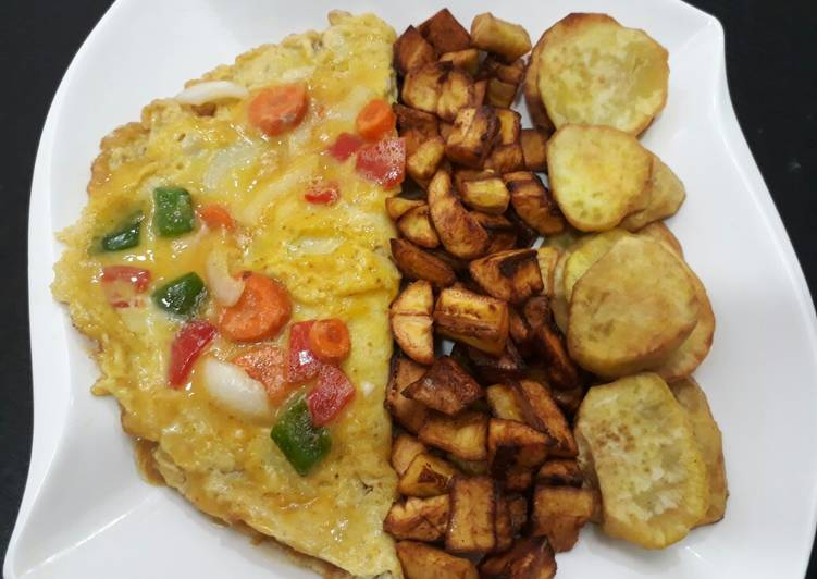 Fries with omelette