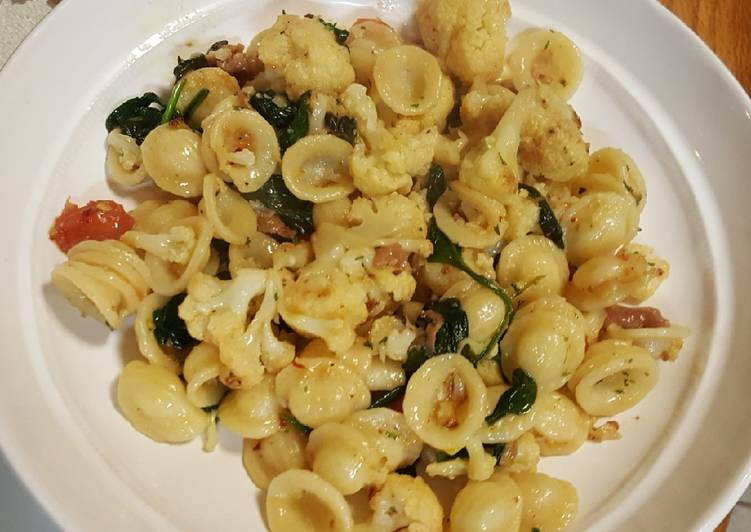Step-by-Step Guide to Make Perfect Pasta with roasted cauliflower, spinach and prosciutto