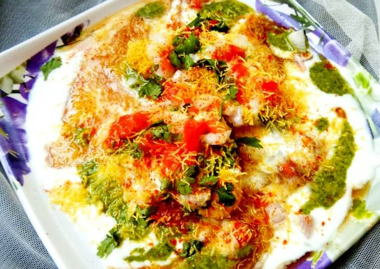 Dahi bhalla in sandwich maker