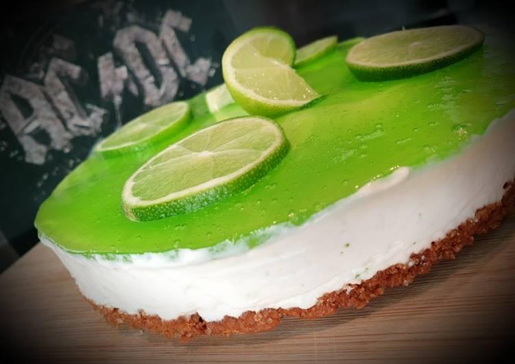 Cheesecake sans cuisson, spéculoos, citron vert et gelée verveine