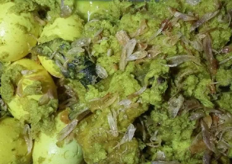 Ayam bugano