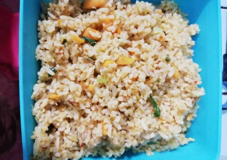 Nasi goreng daging rempah