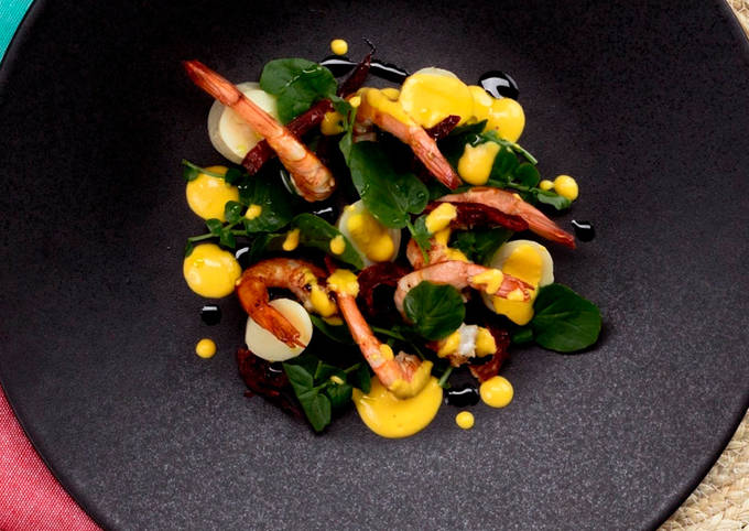 Palm heart, shrimp, watercress and confit tomato in extra virgin olive oil from Spain salad