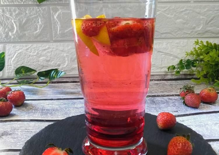 Ice Strawberry Punch Soda