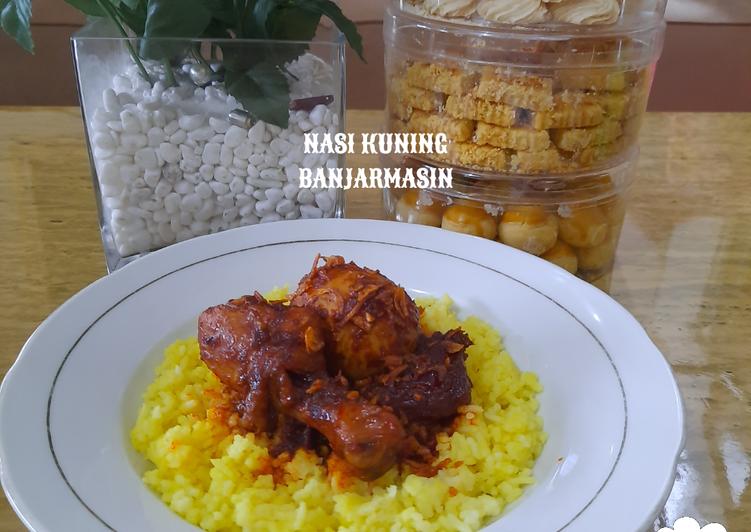 Nasi Kuning Daging/Ayam/Telur masak habang Banjarmasin