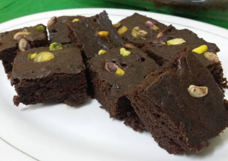 Microwave Fudgy Pistachio Brownies