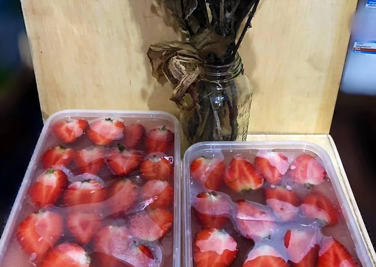 Puding Susu Strawberry