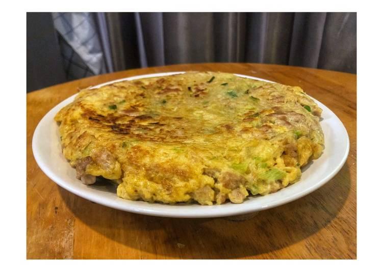 สูตร ไข่เจียววุ้นเส้นหมูสับ ไข่เจียวที่ใหญ่และหนากว่าพิซซ่า หนาๆ นุ่มๆ  อร่อยเชียวว โดย ttortong - Cookpad