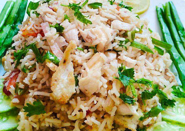 15 Minute Simple Way to Make Fall Khao Pad (Thai Fried Rice)